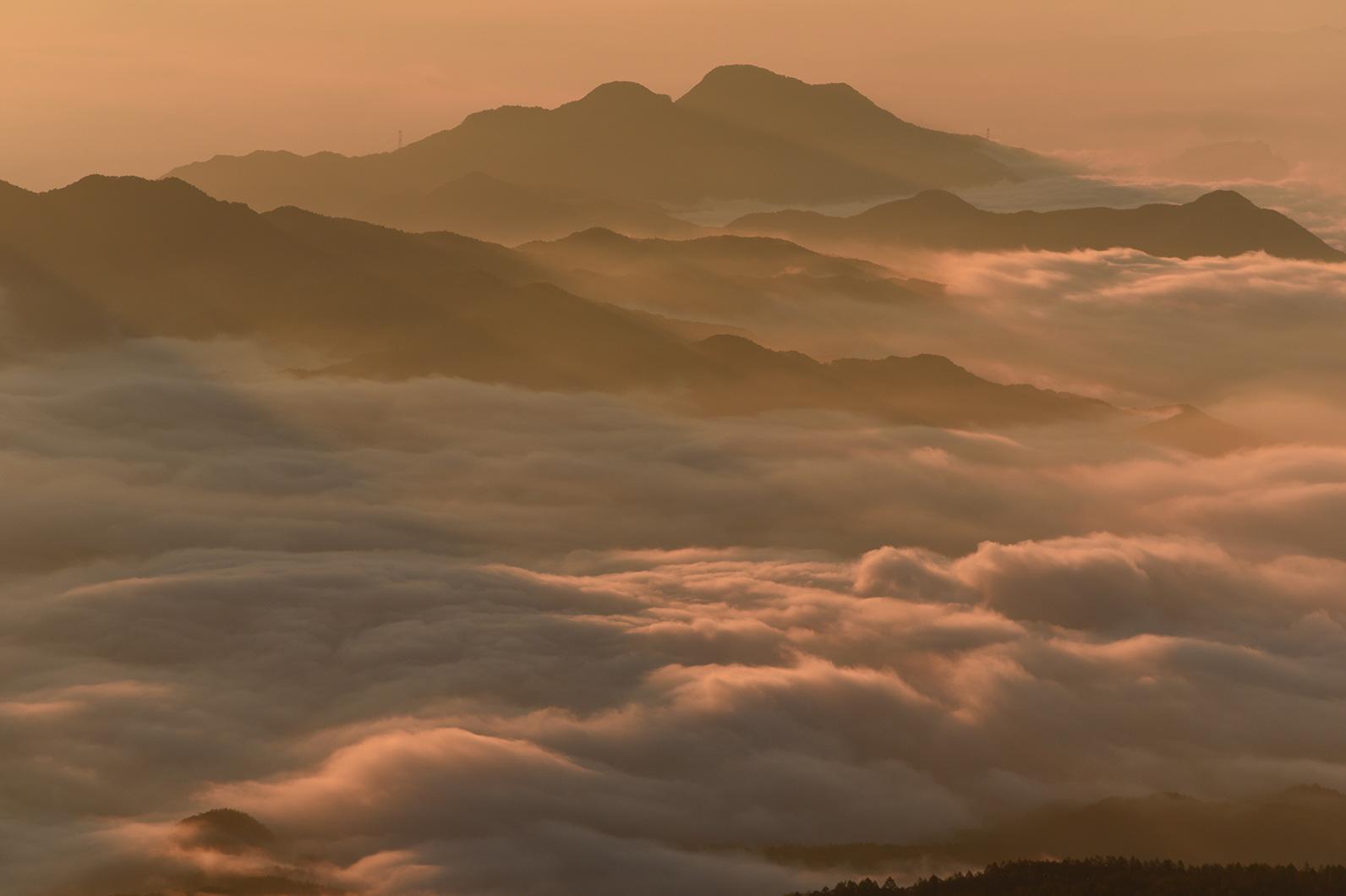価格.com - 『朝日が写った風景写真の撮り方を教えてください。』 CANON EOS 5D Mark II