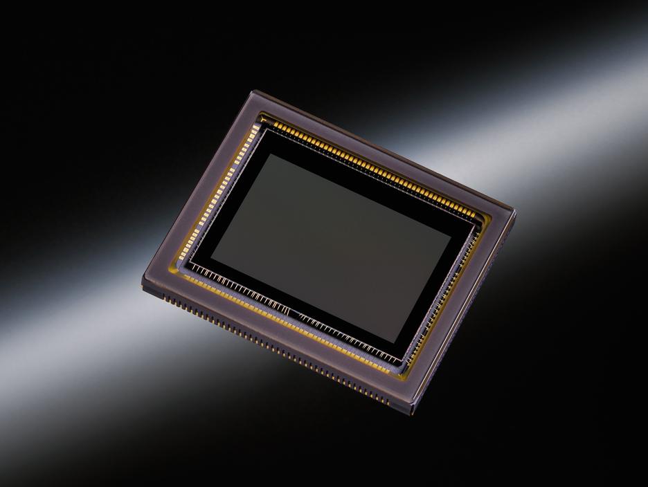 2416万画素 APS-Cセンサー
